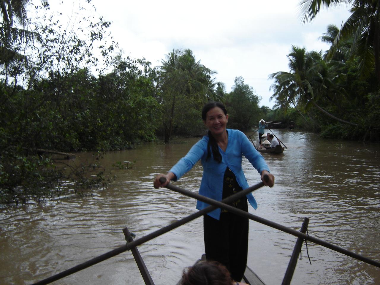 Jours 28-29: Le Delta du Mekong... pagayeuse