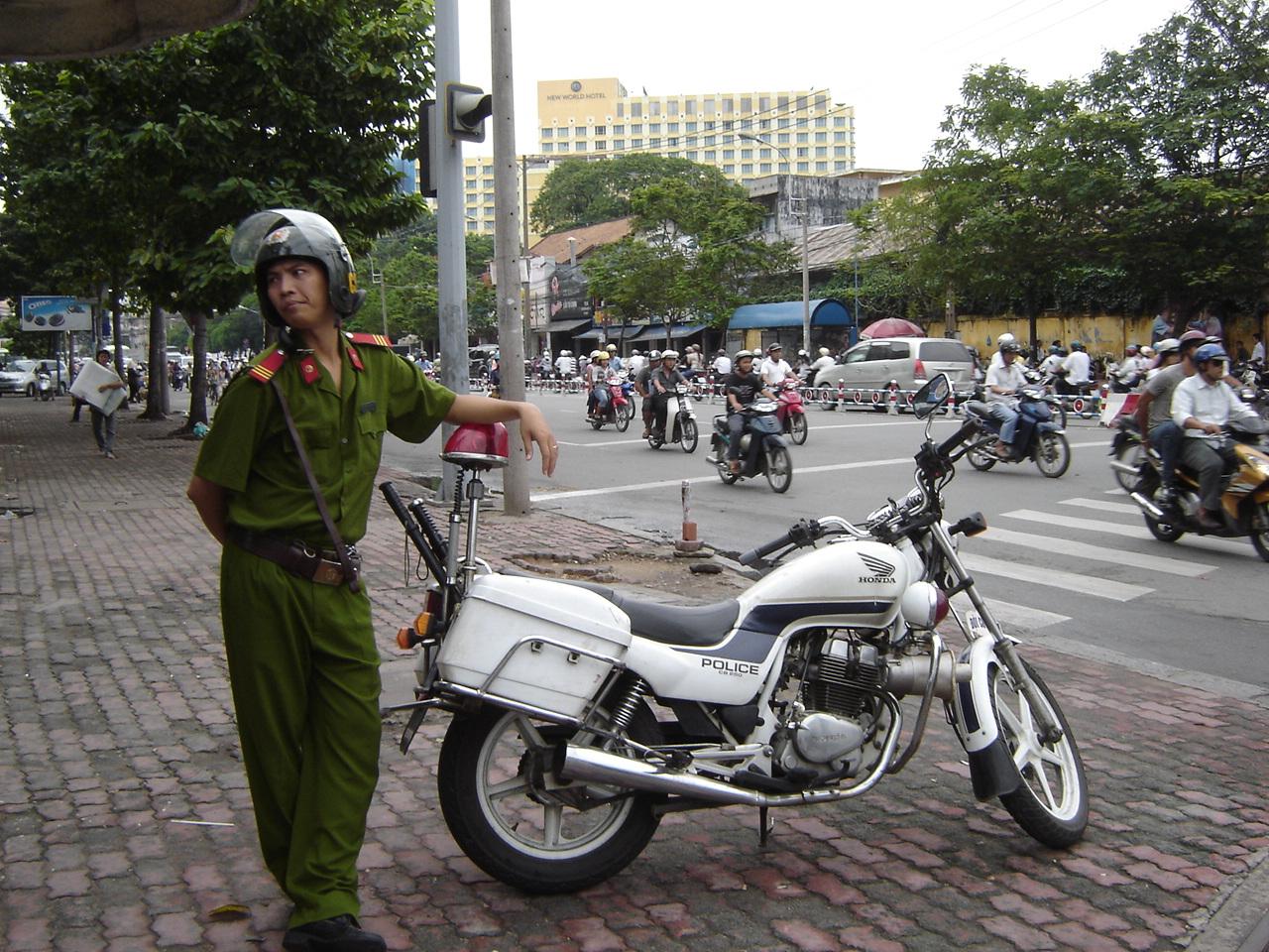 Jour 27: Ho Chi Minh Ville - Saigon... policemoto
