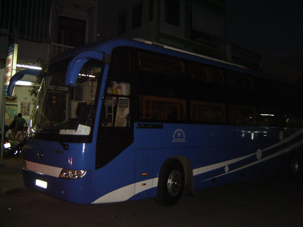 Jours  21-22-23-24:  Trois nuits - Quatre jours à Nha Trang... autobusnuit